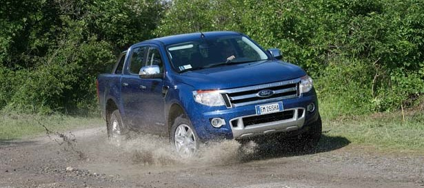 Ford_ranger_action013