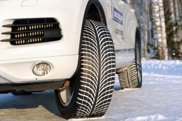 Gli pneumatici invernali sono riconoscibili dalla scritta M+S e avolte dalla presenza di un fiocco di neve stilizzato.