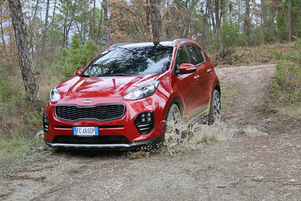 1°Kia_New Sportage_act_038