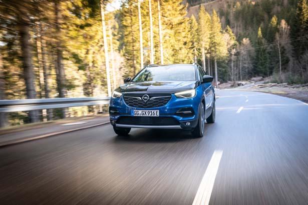 A_Opel-Grandland-X-Hybrid4