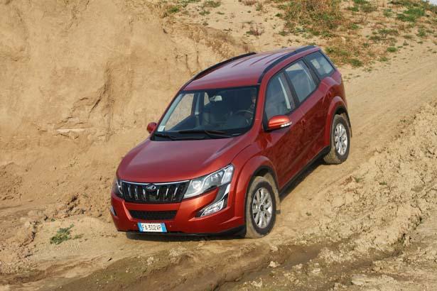 Mahindra XUV500 Awd