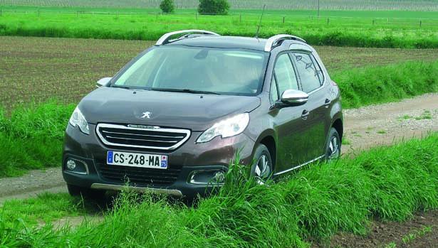 Peugeot 2008, due motrici quasi quattro