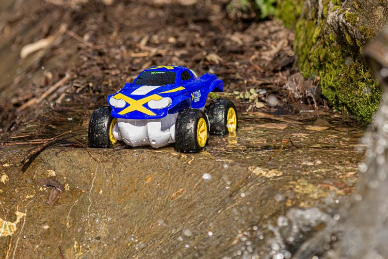 Exost Mini Aquajet:  la  macchina radiocomandata anfibia che supera ogni ostacolo